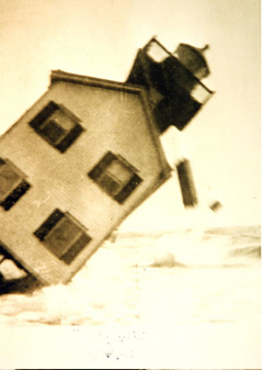 Tucker Island Light Collapse - Copyright 1927 NOAA