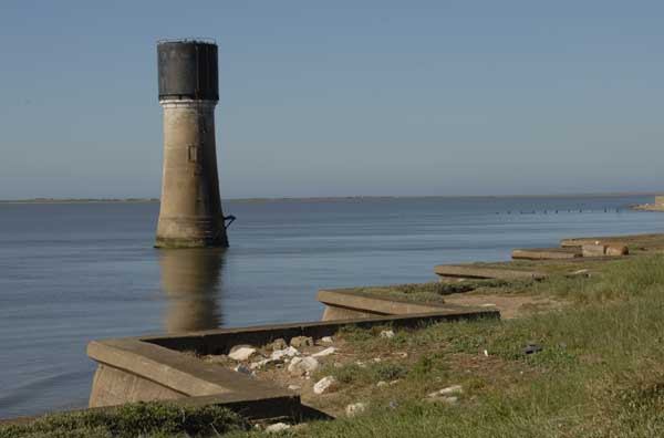 Spurn Point (low) - Copyright 2009 D.Brotherston