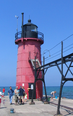 South Haven Lighthouse - Copyright 2006 B. Wacker
