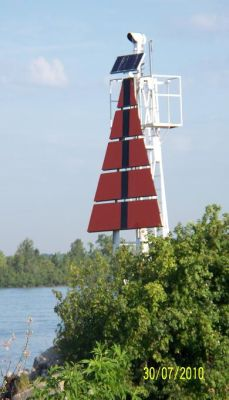Limekiln Crossing Range Light - Copyright 2010 Dave VE3DPJ