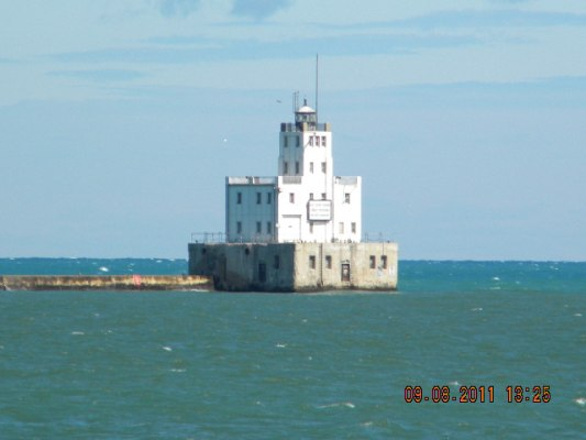 Milwaukee Breakwater Light - Copyright 2011 Paul Schumacher KD9FM