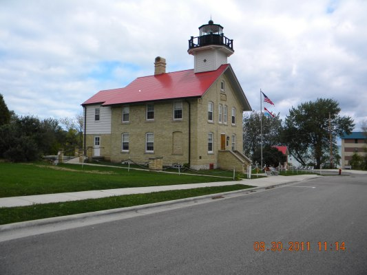 Port Washington Lighthouse (historic) - Copyright 2011 Paul Schumacher KD9FM