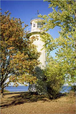 Mehikoorma lighthouse - Copyright 2002 Tuderna