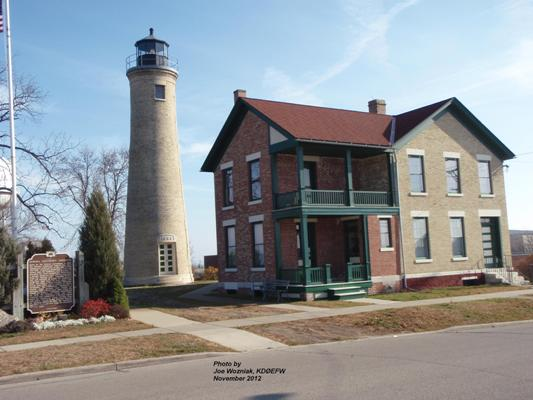 Kenosha Southport Lighthouse - Copyright 2012 Joe Wozniak, KDØEFW
