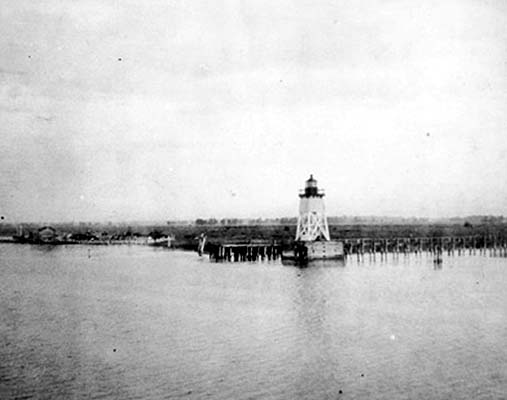 Saginaw River Front Range - Public Domain 1900 National Archives