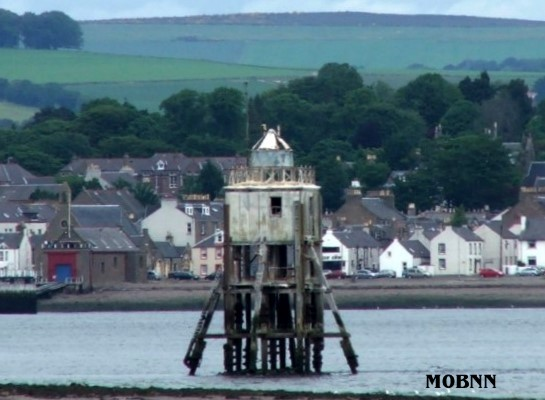 Tayport Harbour Pile - Copyright 2006 Bill Newman