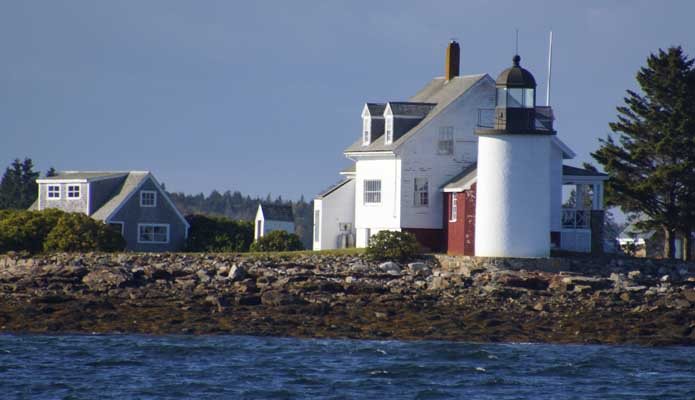 Blue Hill Bay Light on Green Island - Copyright 2015 WA9HED
