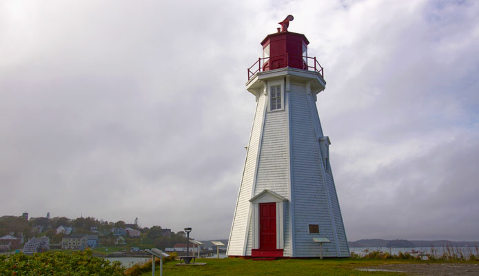 Mulholland Point Light - Copyright 2014 WA9HED