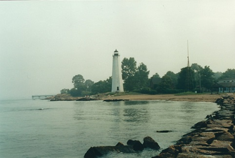Five Mile Point Lighthouse - Copyright 2001 KF4ZLO