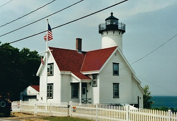 West Chop Lighthouse - Copyright 2001 KF4ZLO