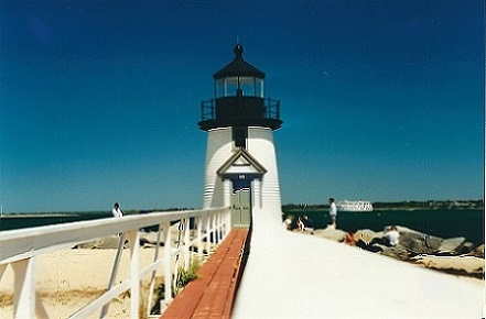 Brant Point Lighthouse - Copyright 2001 KF4ZLO