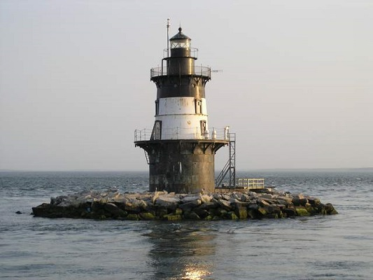 Orient Point Lighthouse - Copyright 2005 KF4ZLO