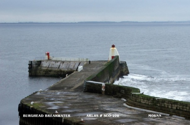 Burghead North Pier - Copyright 2007 Bill Newman