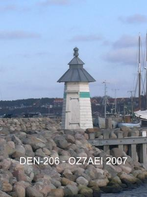 Ebeltoft West Mole LH DEN-206 - Copyright 2007 OZ7AEI