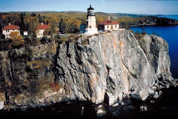 SPLIT ROCK LIGHTHOUSE - Copyright 2008
